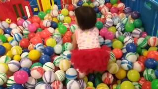 Mandi Bola - Kids Pool Fun Balls by Christa (Part 2)