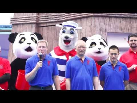 香港海洋公園接受「冰桶挑戰」!  Ocean Park Hong Kong took on the ALS ice bucket challenge!