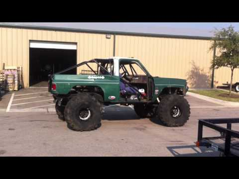 Chevy K5 Rock Crawler Burnout - YouTube