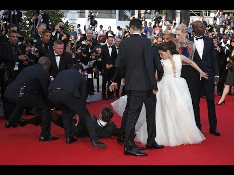 Top 10 Embarrassing Celebrity Moments Caught on Camera ...