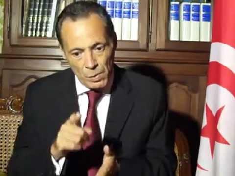 image vid�o طارق المكي: السبسي يبيع الثورة التونسية في فرنسا