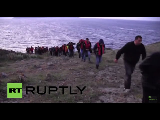 Turkey: Lucky rescue for migrants stranded on rock at sea