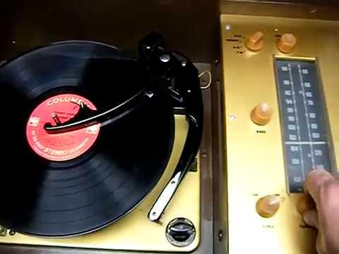 Mid Century Modern Stereo Magnavox   Record Player Console AM FM Tuner Bluetooth