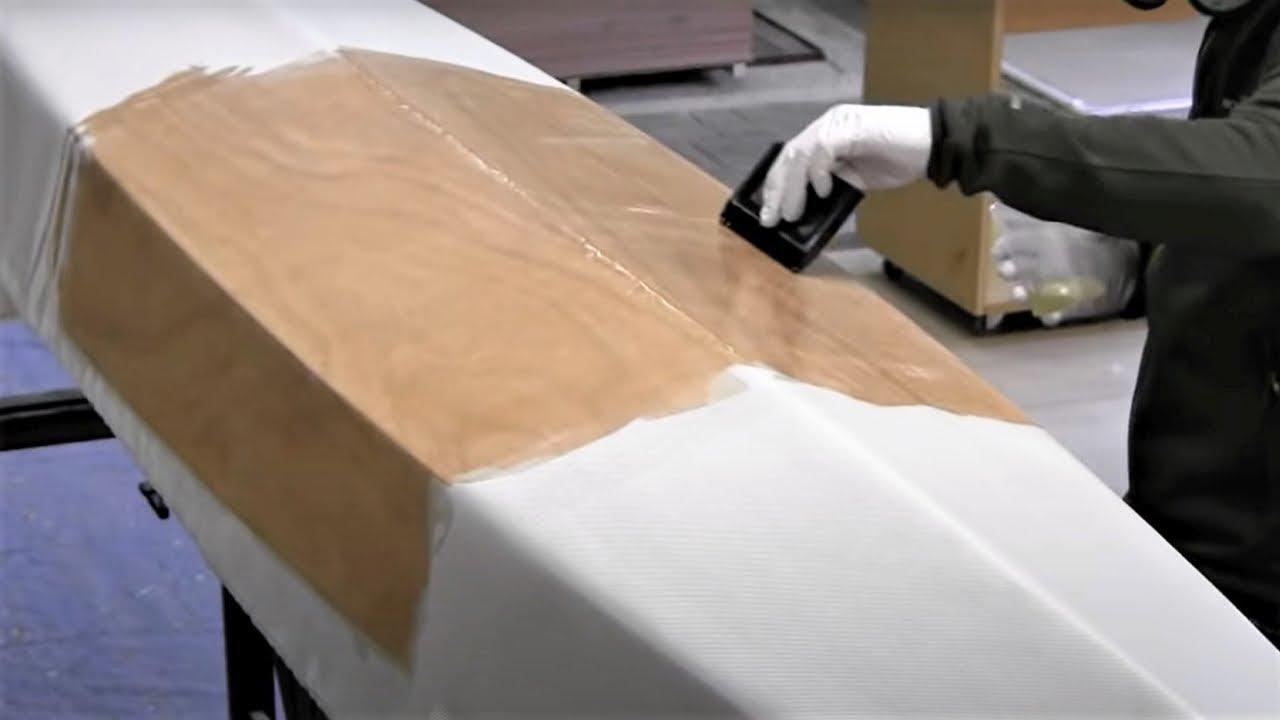Bau eines Holzkajaks. Lektion 13: Den Rumpf mit Glasgewebe verstärken - YouTube