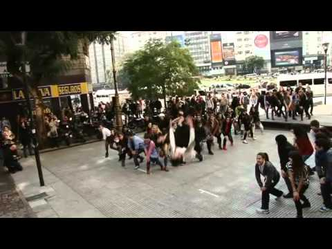 Avestruces invaden Buenos Aires - Flashmob