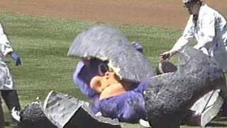 Rockies' mascot Dinger hatches out of egg in 1994