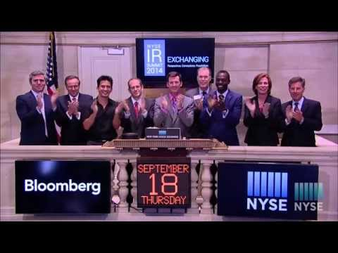 Speakers and Panelists from the NYSE Senior IR Summit Ring the Closing Bell