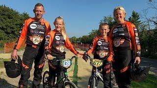 """BMX-gezin uit Velsen-Noord is niet van de baan te krijgen: """"We vinden het allemaal leuk"""""""