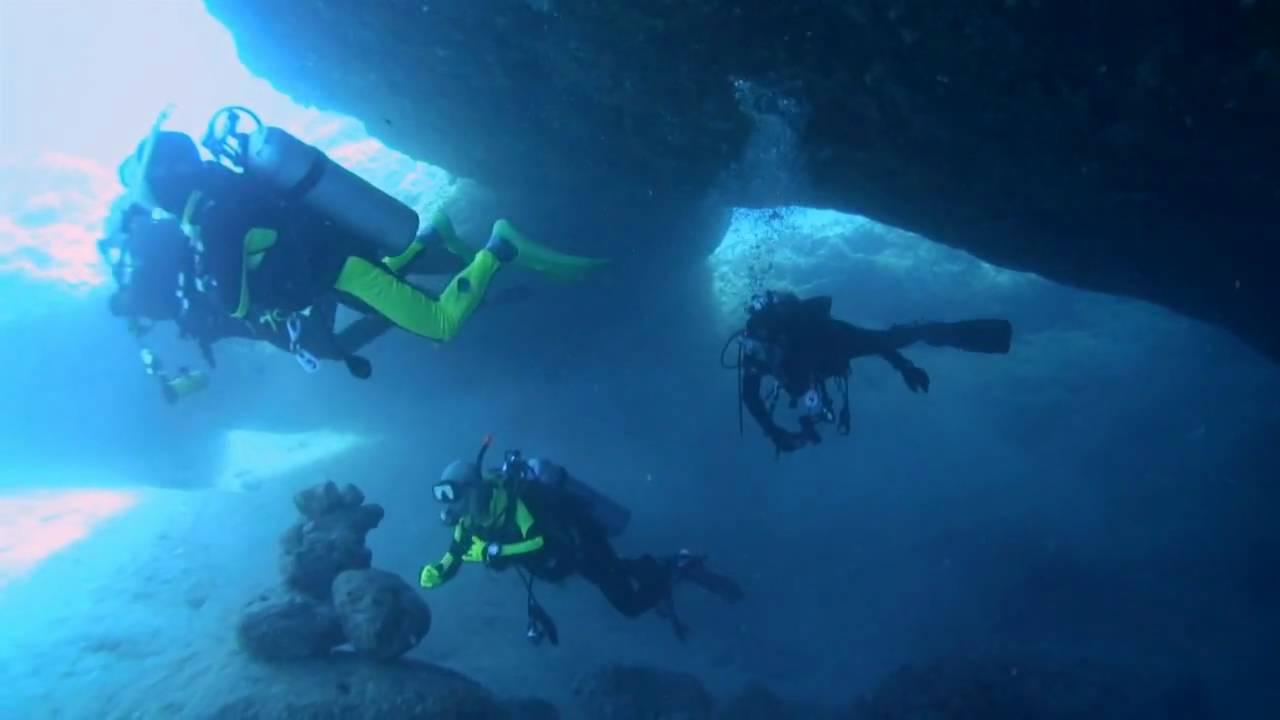 Scuba Diving at Blue H...