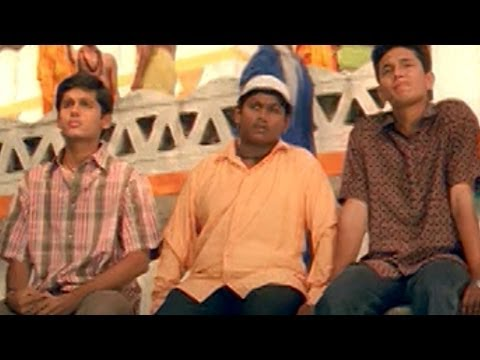 Jayam Movie || Nitin Waiting for Sada near Temple || Nitin &...