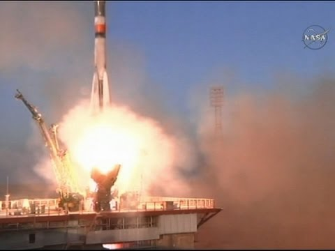 Raw: Soyuz Rocket Blasts Off With Three On Board