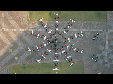 Miniatura del vídeo OK Go - I Won't Let You Down - Official Video