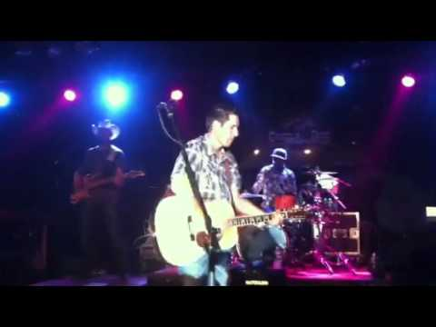 Casey Donahew Band - Breaks My Heart