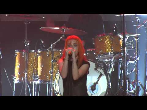 Paramore In Pomona- careful (720p Hd) Live On August 14, 2012 video