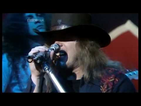 Lynyrd Skynyrd - Sweet Home Alabama  (1975 TV Appearance) [HQ]