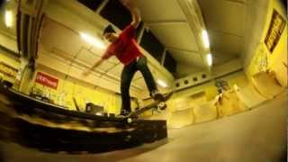 Saša Ivanović - 3 weeks after knee surgery (Indoor skateboarding)