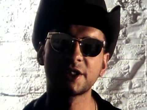 Depeche Mode - Personal Jesus (Remastered Video)