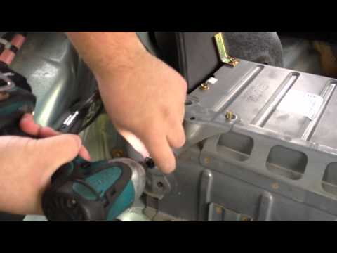 Removing Toyota Prius 2001-2003  HV battery