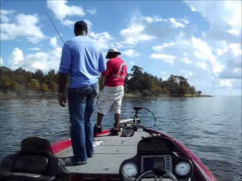 BASS FISHING ON SAM RAYBURN IS THE REASON FOR THE SEASON FOR TH MO SHOW OUTDOORS.wmv