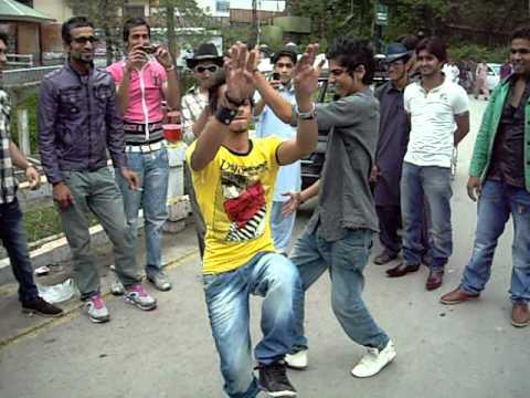 sialkot boys dance in murree