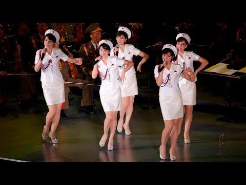 North Korean Moranbong Band: Marching - Marchando - 진군 � 진군 - My Favorite Girl Band 모란봉악단