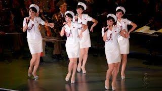 North Korean Moranbong Band: Marching - Marchando - 진군 또 진군 - My Favorite Girl Band 모란봉악단