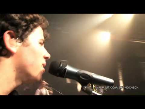 Jonas Brothers - Play My Music (2010 Walmart Soundcheck) Music Videos
