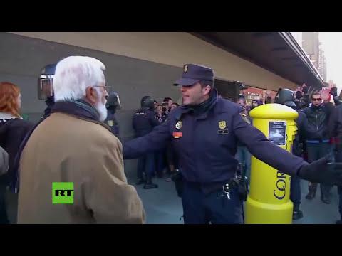 Cientos de presonas protestan en Madrid contra la 'ley Mordaza'