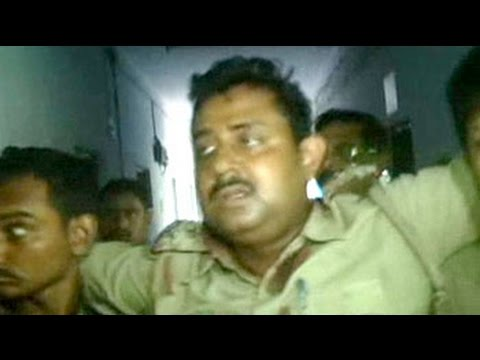 Bomb thrown at police team at a village in West Bengal