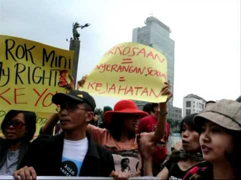 Indonesian women don miniskirts in rape protest