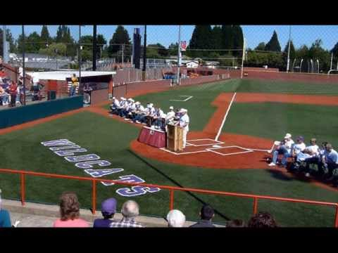 Linfield College, McMinnville, Oregon, Baseball Champions, 2013.