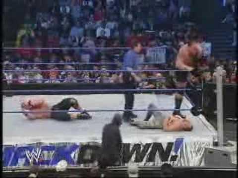 Rey Mysterio & John Cena Vs Chavo Guerrero & Big Show Part 1 video
