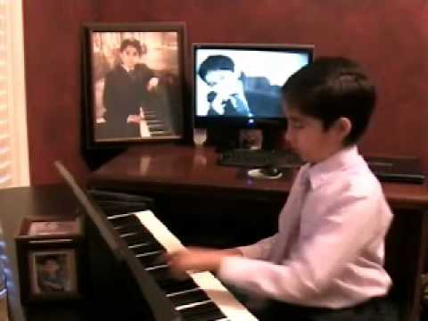 Arash Husain Performs Haule Haule Remix.