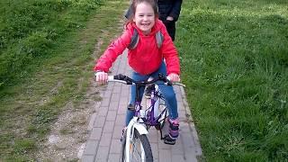 Как София научилась кататься на велосипеде в 7 лет за два дня