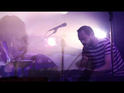 Chvrches - Recover (Live footage from SXSW)