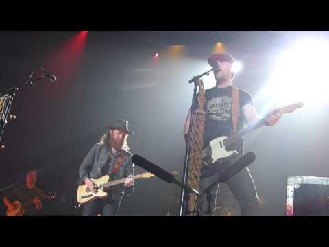 Brothers Osborne - Sippin' On A Good Time - April 11, 2015 - Calgary, AB