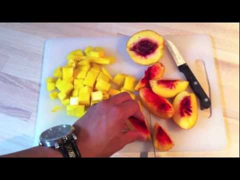 How to Make a Mango Peach Smoothie! - The Weekly Smoothie: #1