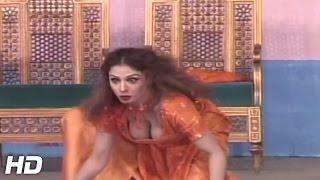 Nida chaudhry Hot mujra HD - Nida chaudhry nanga mujra 2016 HD
