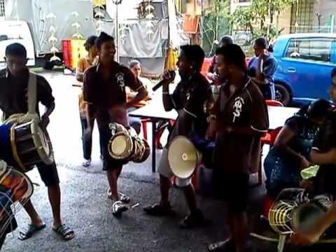 Om Sri Genggai Amman Urumi Melam 2012 video