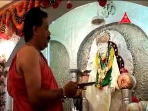 kakad aarti  by  the saibaba temple pujari pramod medhi marathi...