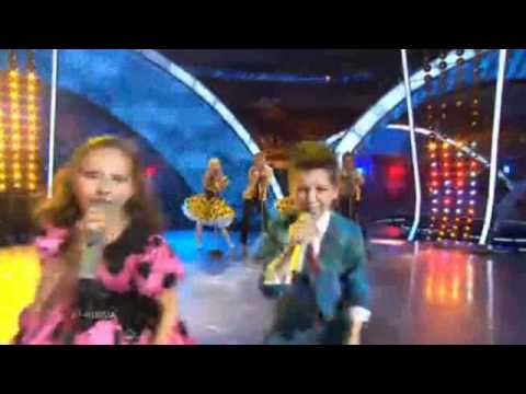 Junior Eurovision 2010 Russia - Sasha Lazin & Liza Drozd - Boy and girl klip izle
