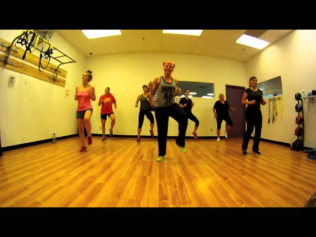 Thrift Shop - Macklemore and Ryan Lewis Zumba with Mallory Hotmess