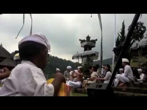 Nyanyian Dharma - Karma Di Pura Jagattkarta Bogor video