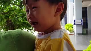 Tin Siêu Còi Đi Tiêm Phòng, Bé Khóc Nức Nở Luôn | Kids Toy Media