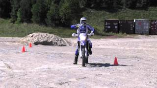 How to skid around corners (off-road motorcycle)