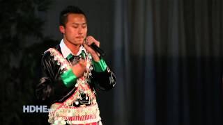 Fresno Hmong International New Year 2013 Singing Competition Rnd 3 - Thaiv Vaj (Winner)