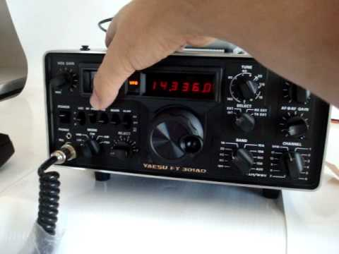 Yaesu FT-301AD vintage ham radio in action