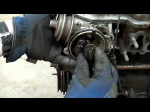 How to Remove and Install a Toyota 20R 22R 22RE Distributor