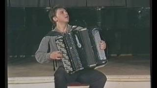 Accordeonist Viktor Вarinov plays Vivalidi.