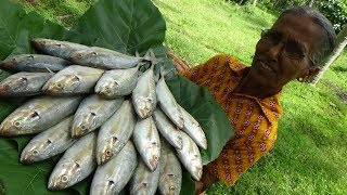 Seafood Recipe ❤ Cooking Small Trevally Fish Curry in my Village by Grandma